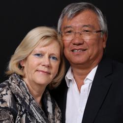 manželé Ursula a Tamdi Chonge-Forsterovi